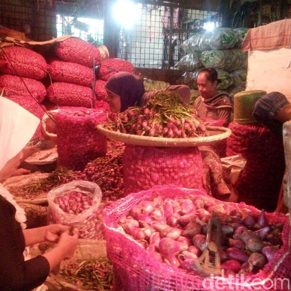 Ini Harga Bawang Merah di Pasar Induk Kramat Jati