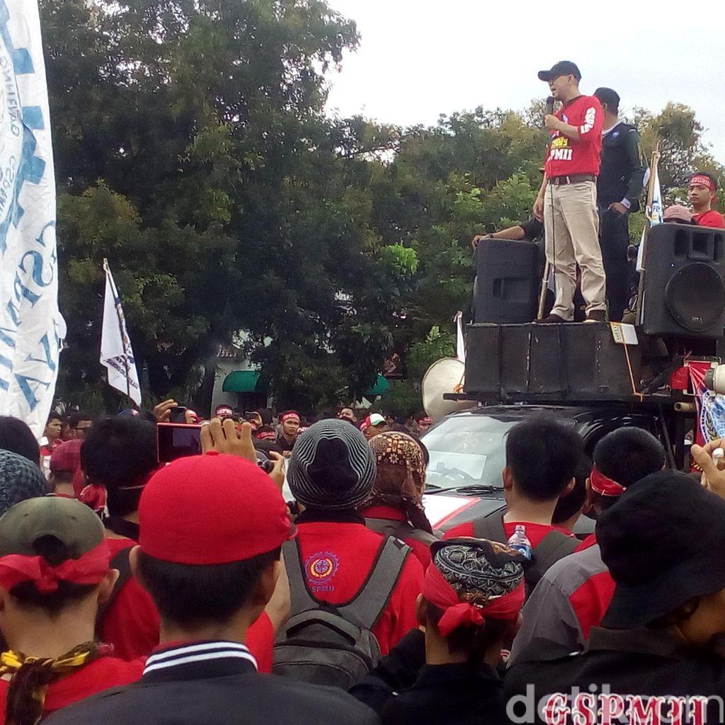 Peringatan May Day di GBK Selesai, Buruh Mulai Membubarkan Diri