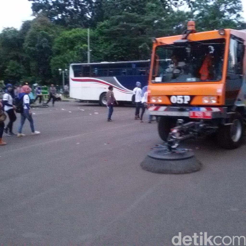 Dinsih DKI: Sampah May Day Tahun Ini Hanya 8 Ton, Tahun Lalu 35 Ton