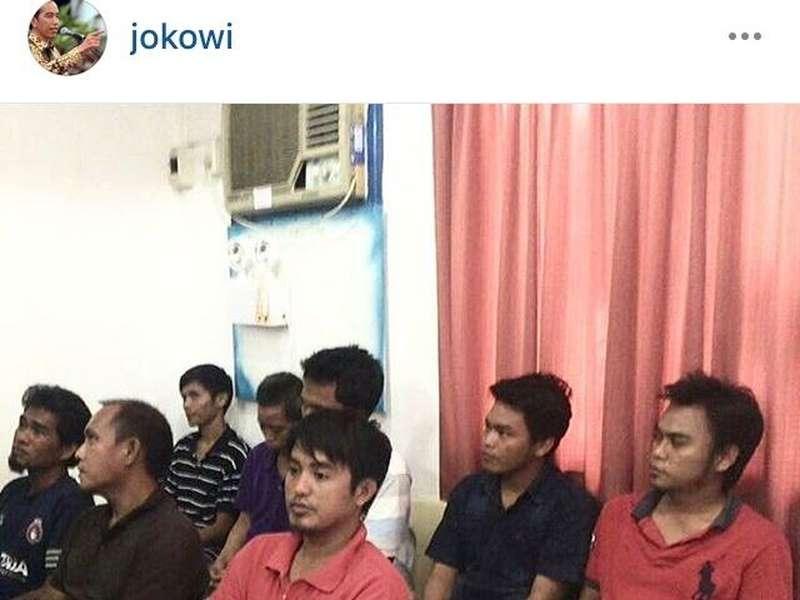 Jokowi Unggah Foto WNI yang Dibebaskan Abu Sayyaf di Instagram