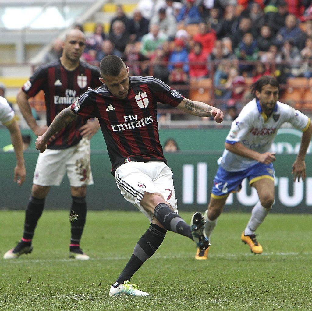 Penalti Menez di Injury Time Selamatkan Milan dari Kekalahan