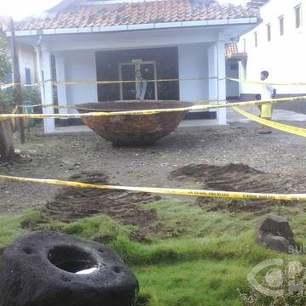 2 Arkeolog Turun ke Lokasi Wajan Raksasa, Cek Kemungkinan Temuan Lain