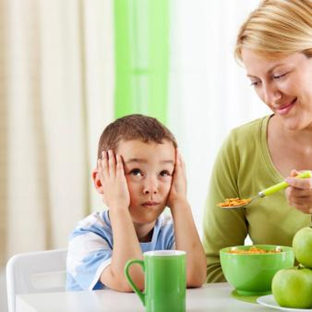 Agar Anak Tetap Sehat Terapkan 8 Aturan Makanan Ini (1)