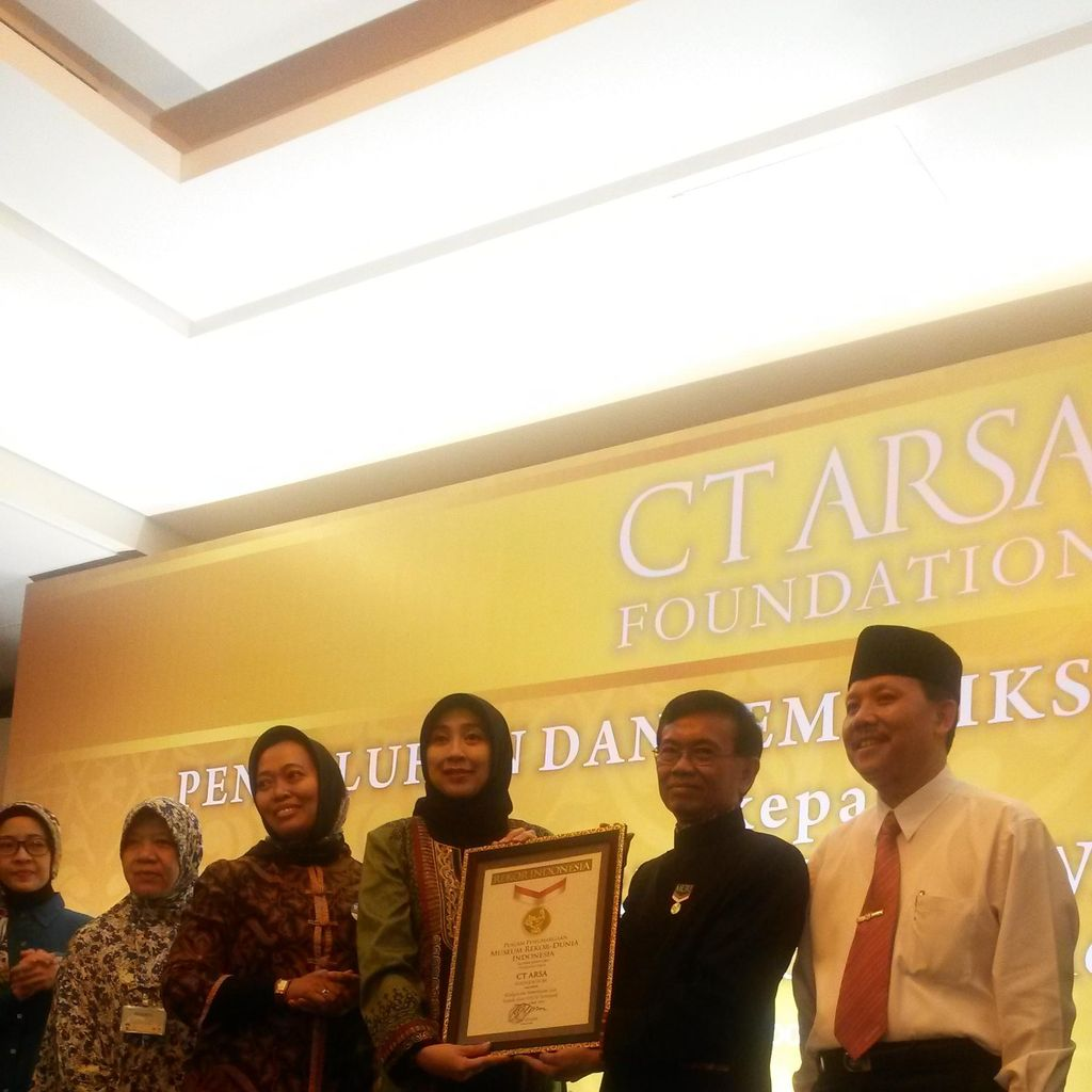 Pemeriksaan Gigi Gratis 1.208 Guru PAUD di Bandung Raih Rekor MURI