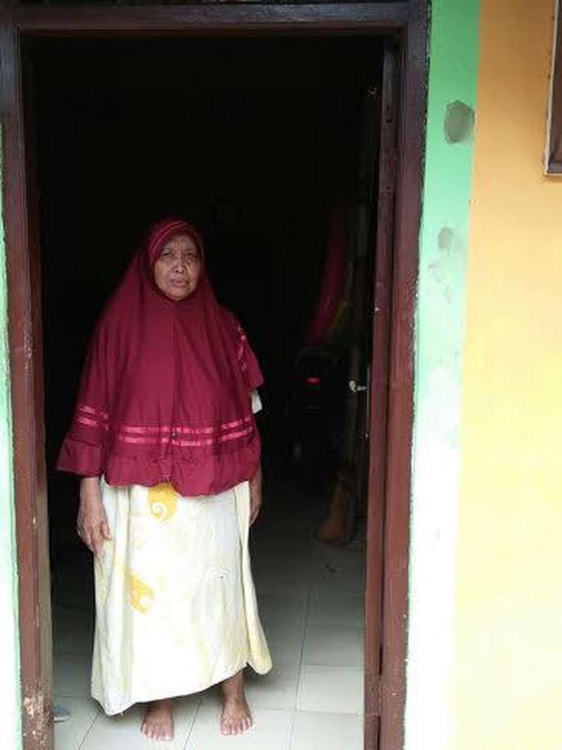 Resah Bu Onah karena Air Panas yang Muncul di Rumahnya di Jakarta Utara