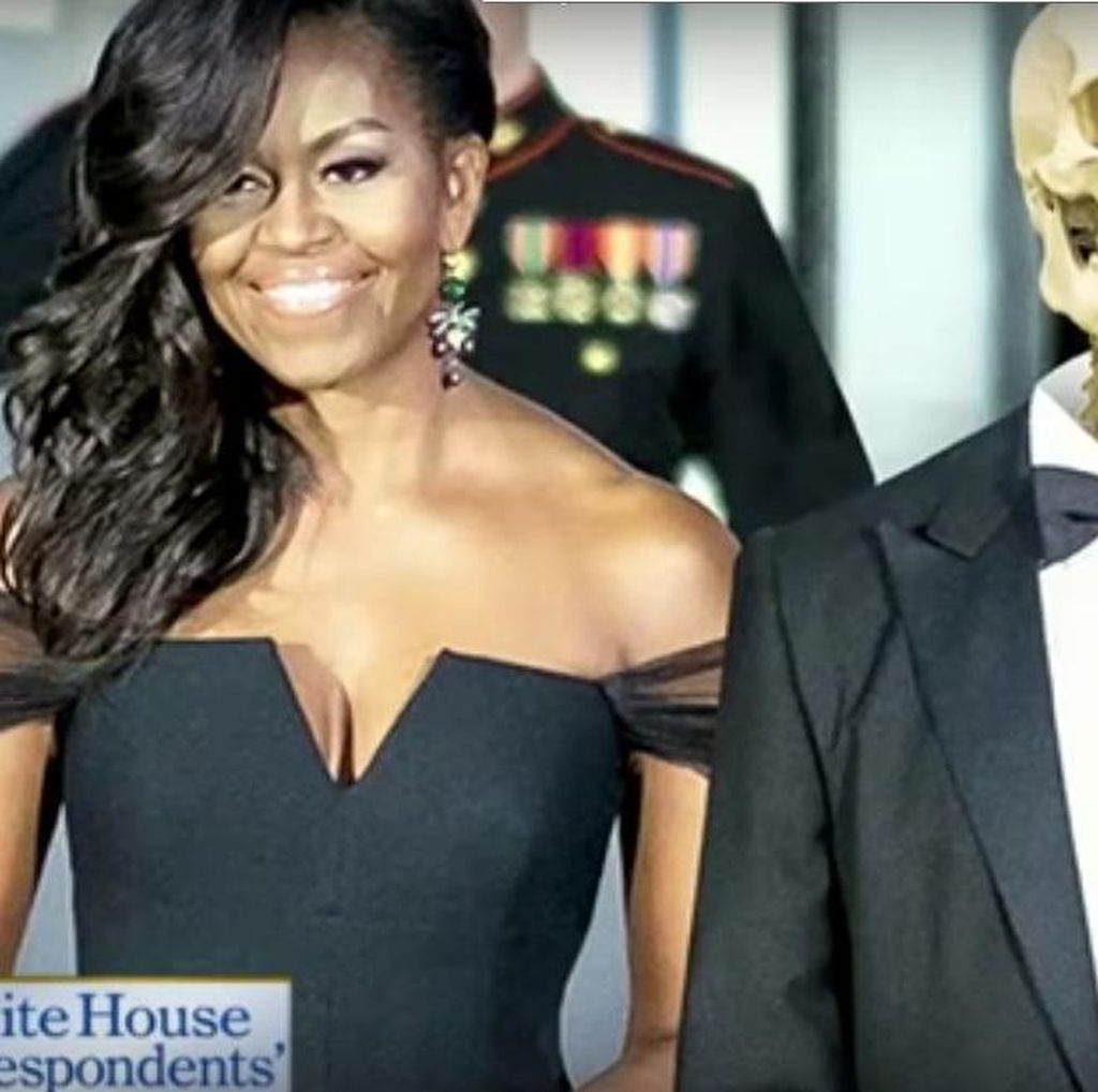 Sebut Istrinya Awet Muda, Obama yang Menua Pamerkan Foto Tengkorak