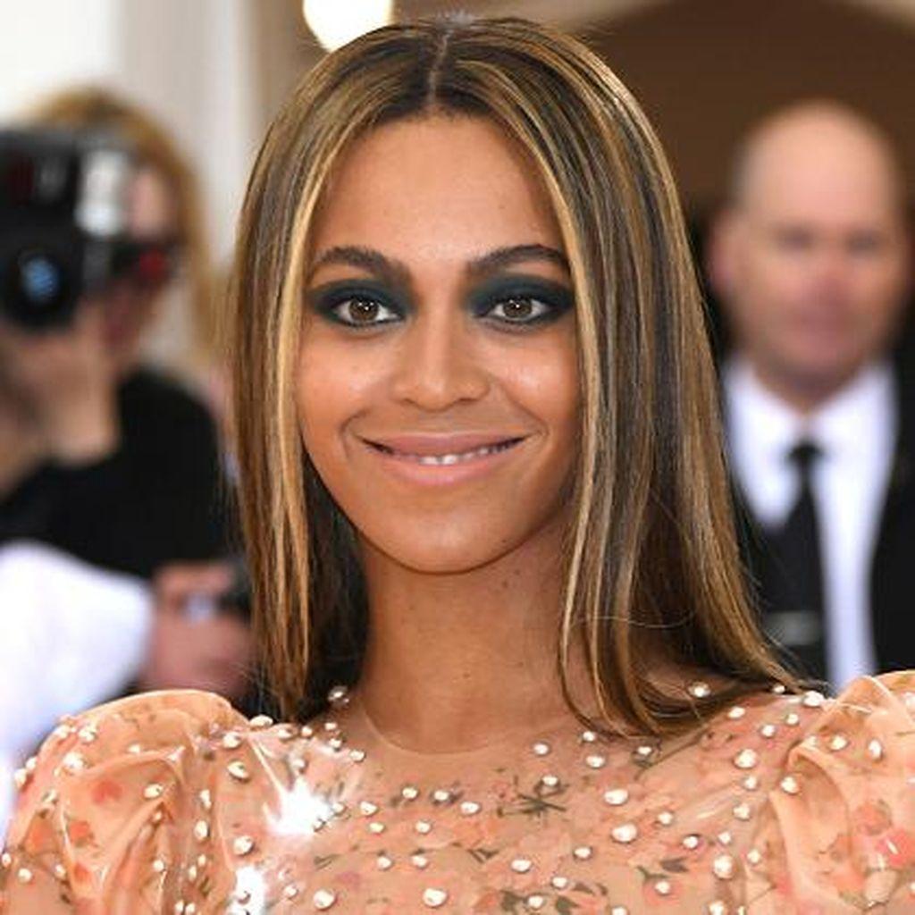 Foto: Makeup Futuristik Ala Katy Perry Hingga Beyonce di Met Gala