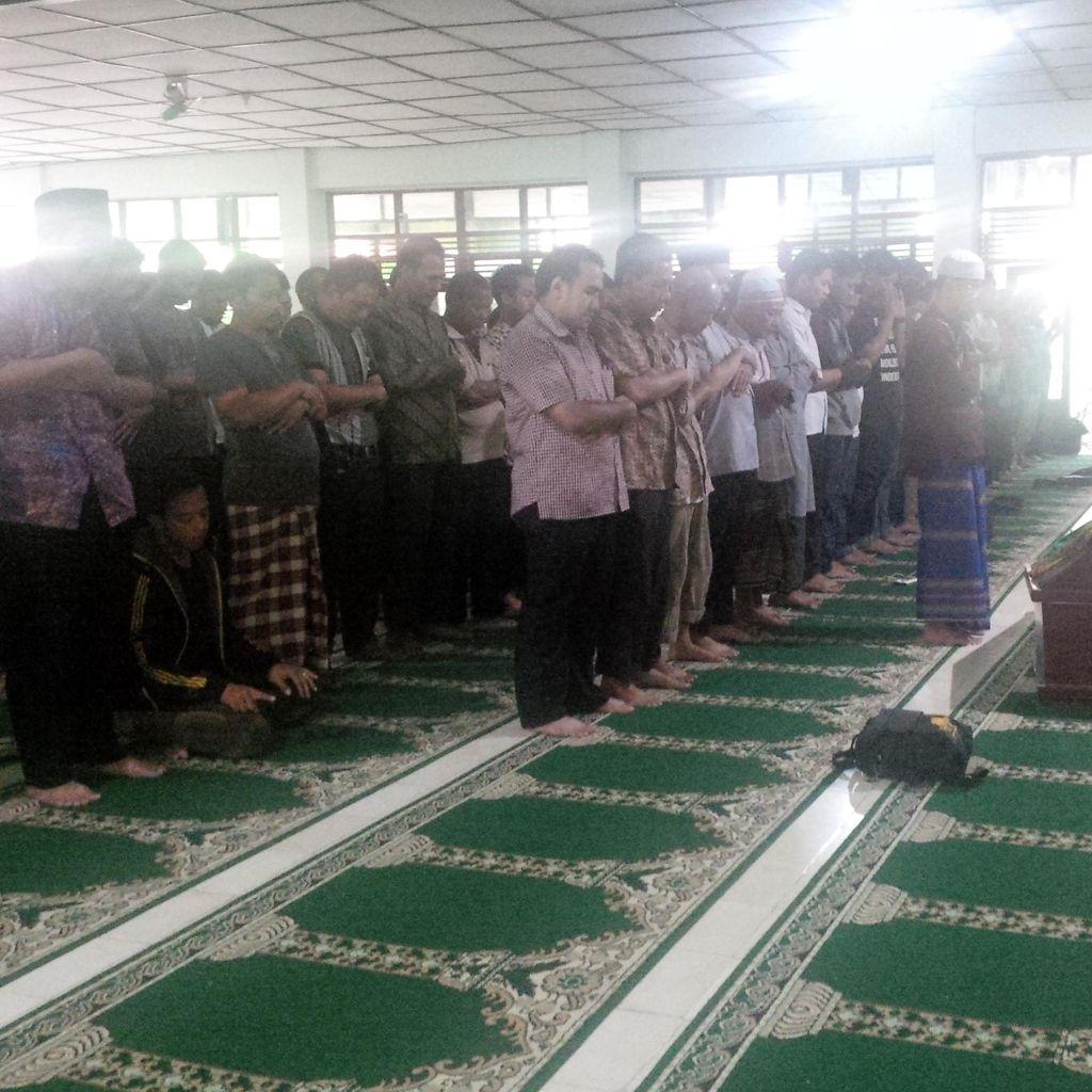 Usai Diautopsi, Jenazah Feby Dibawa ke Masjid Mardliyah UGM untuk Disalatkan