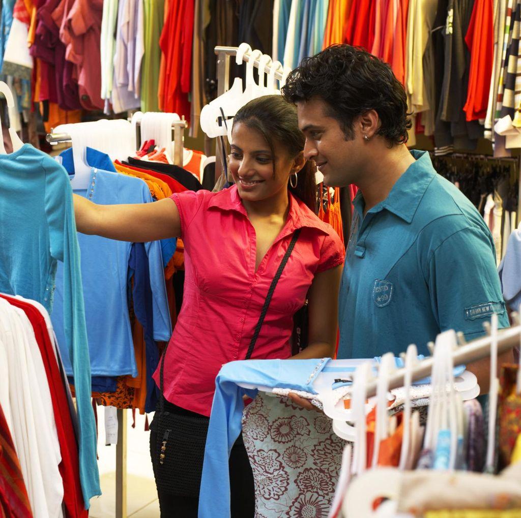 Tak Perlu ke Singapura, Bisa Belanja Puas di Surabaya Shopping Festival
