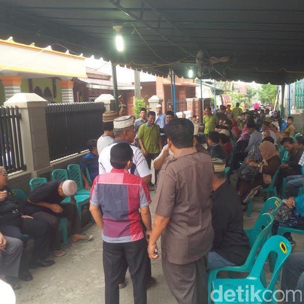 Duka di Rumah Dosen Nurain yang Tewas Dibunuh Mahasiswanya