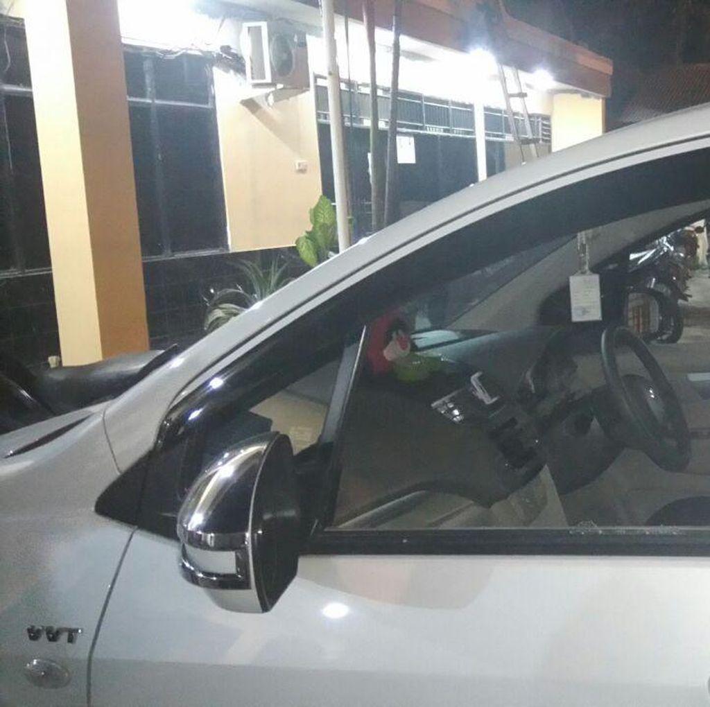 Kaca Mobil Dipecah di Pondok Gede, Dedi Kehilangan Uang Rp 2,2 Juta