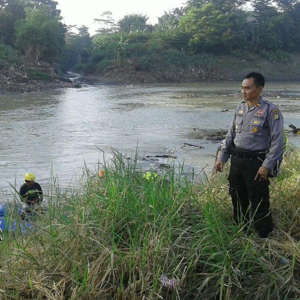 Petugas Pengukur Tanah yang Hanyut di Kali Bekasi Ditemukan Tewas