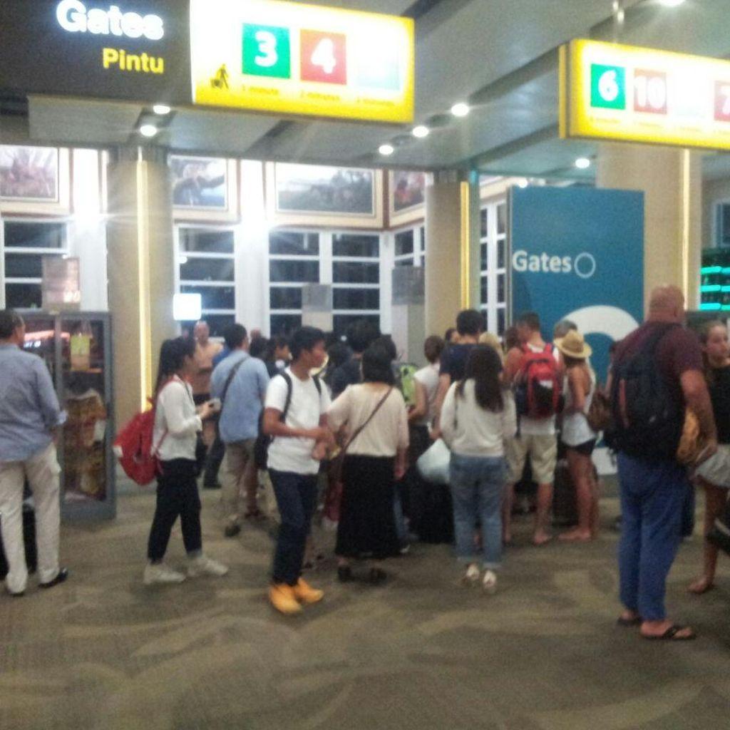 Ditutup 4 Jam, Begini Suasana Terminal Bandara Ngurah Rai Malam ini