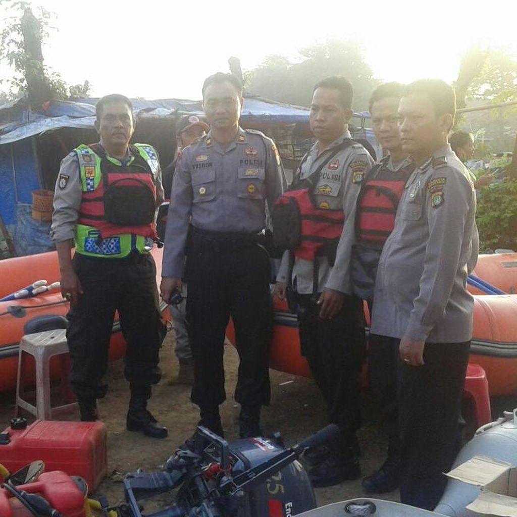 Tim SAR Sisir Kali di Bekasi Cari Petugas Pengukur Tanah yang Tenggelam