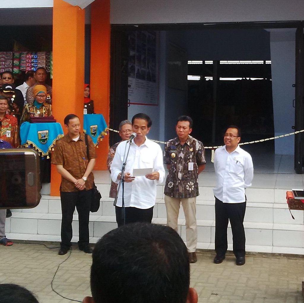 Resmikan Pasar di Kebumen, Jokowi: Harus Bersih, Jangan Kalah dengan Mal
