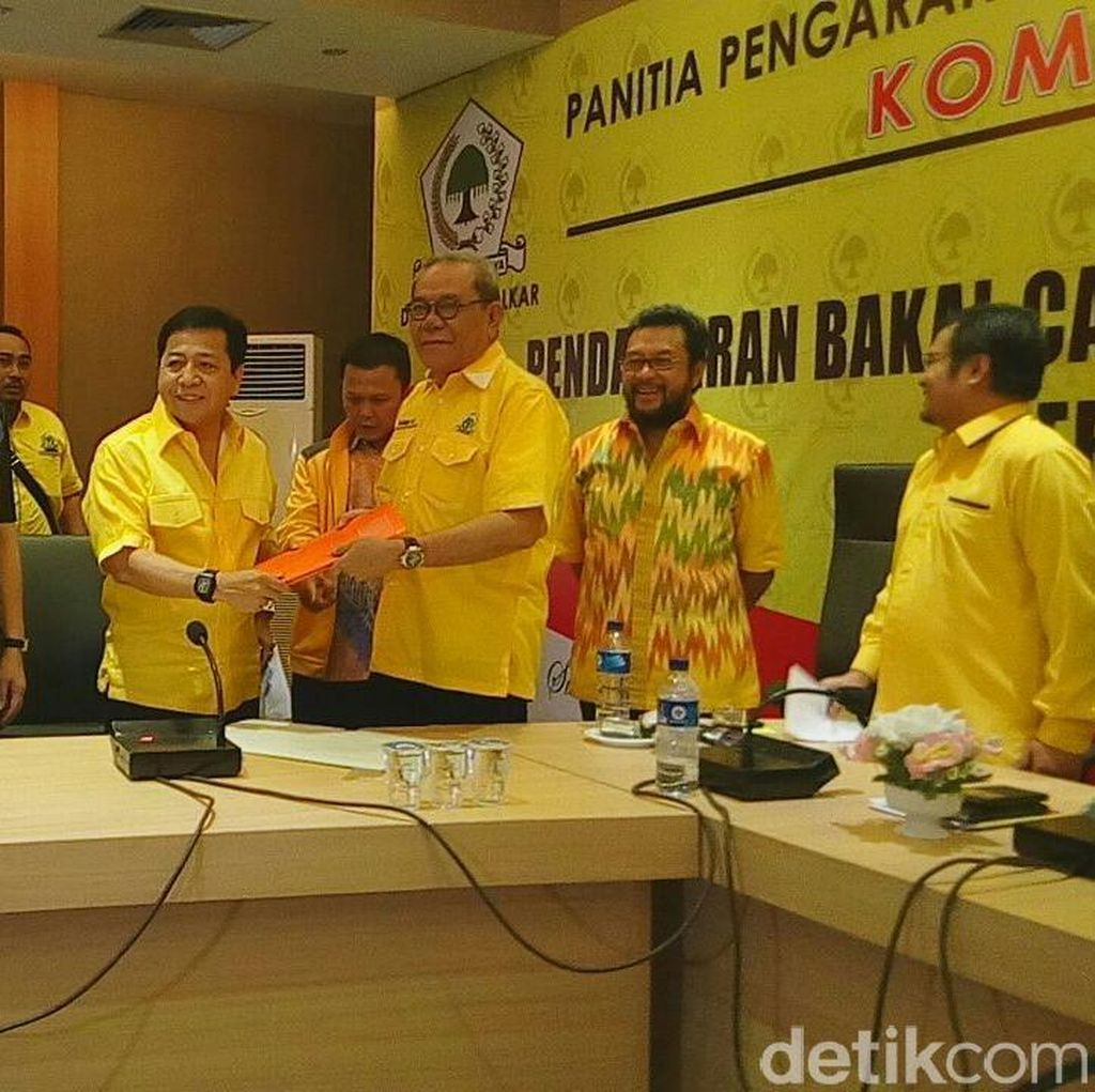 Novanto dan Mahyudin Mendaftarkan Diri Jadi Caketum Golkar