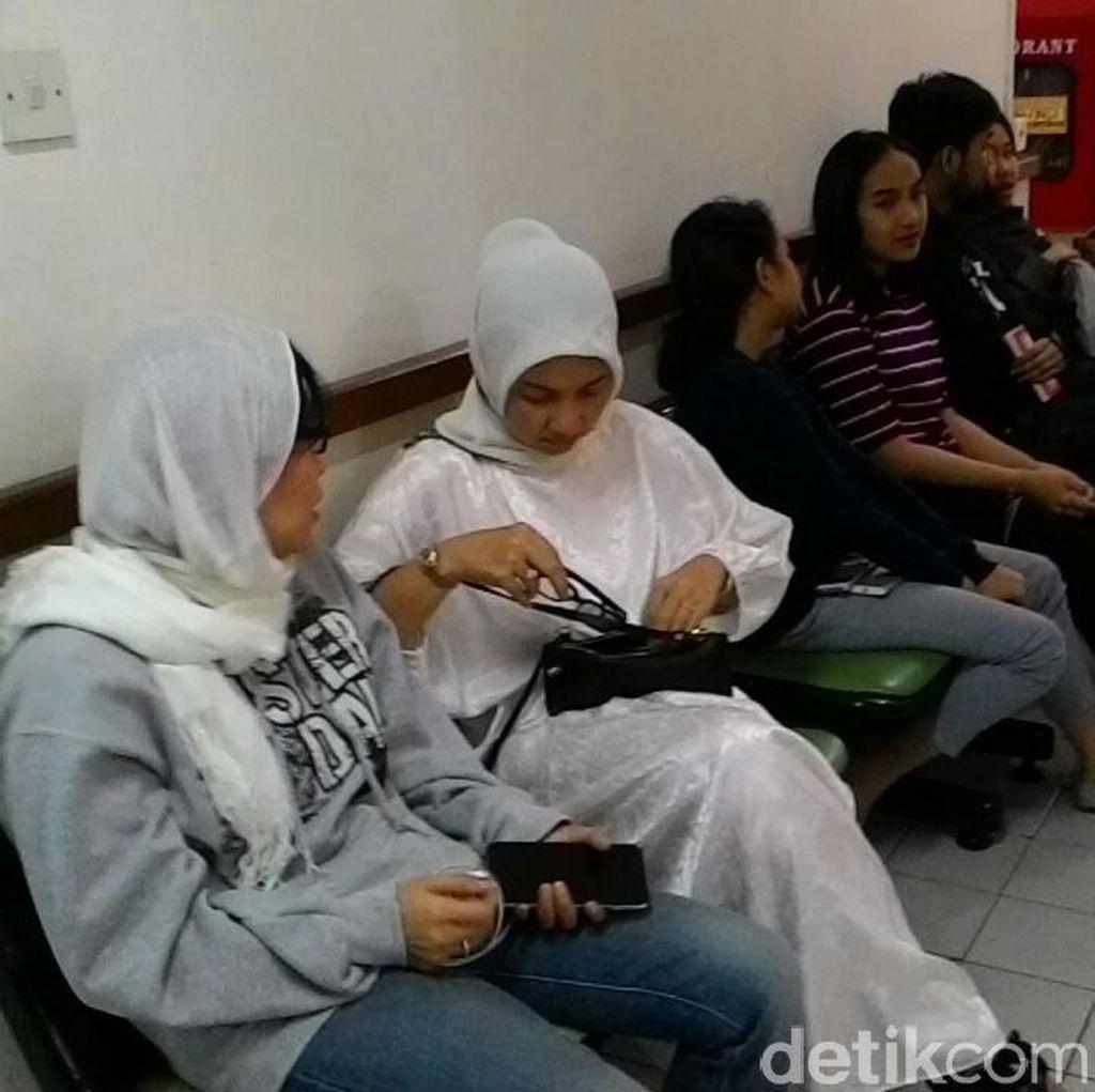 Tokoh Nasional Melayat Tutty Alawiyah di Rumah Duka