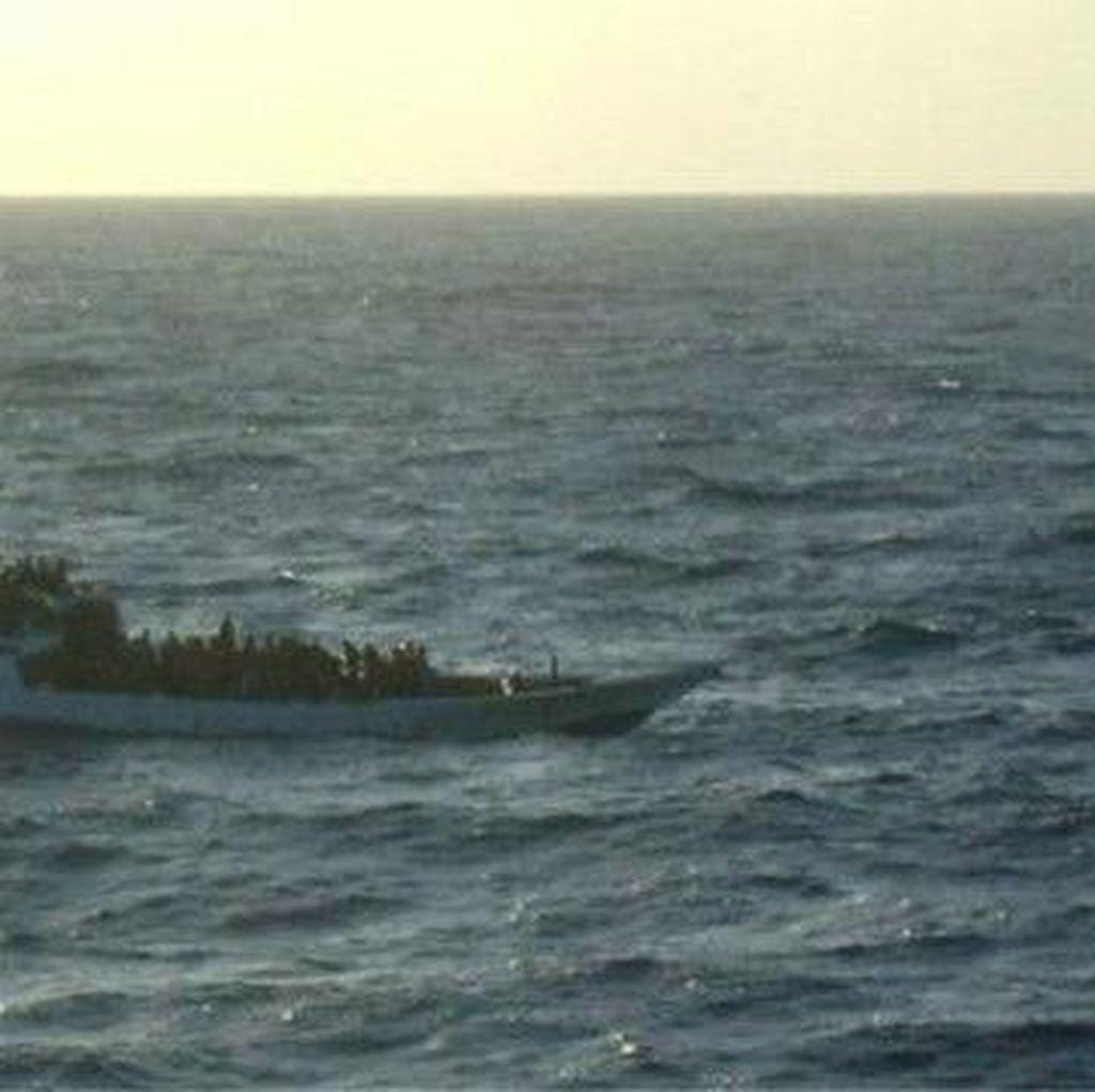 Perahu Pencari Suaka Masuki Wilayah Australia
