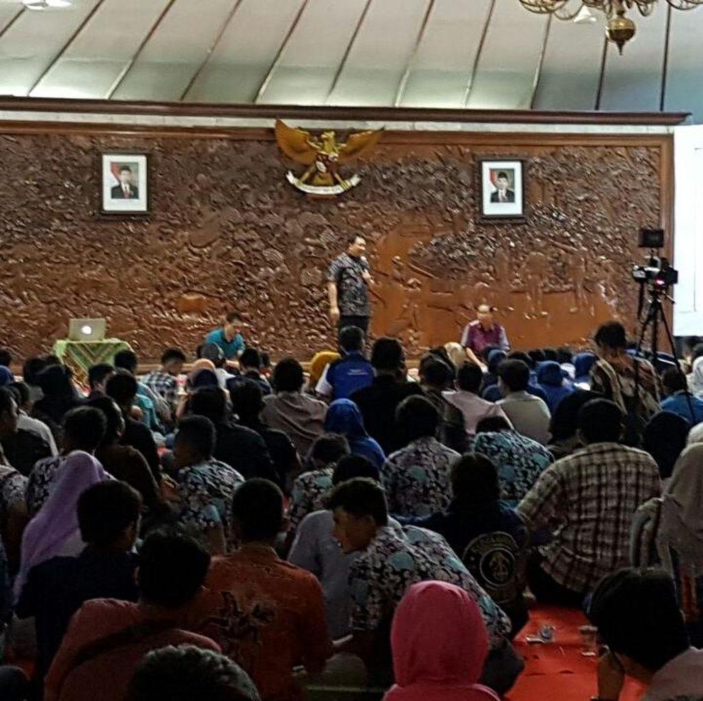 Kisah Kang Yoto Diprotes dan Dimarahi Warga Demi Pavingisasi Bojonegoro