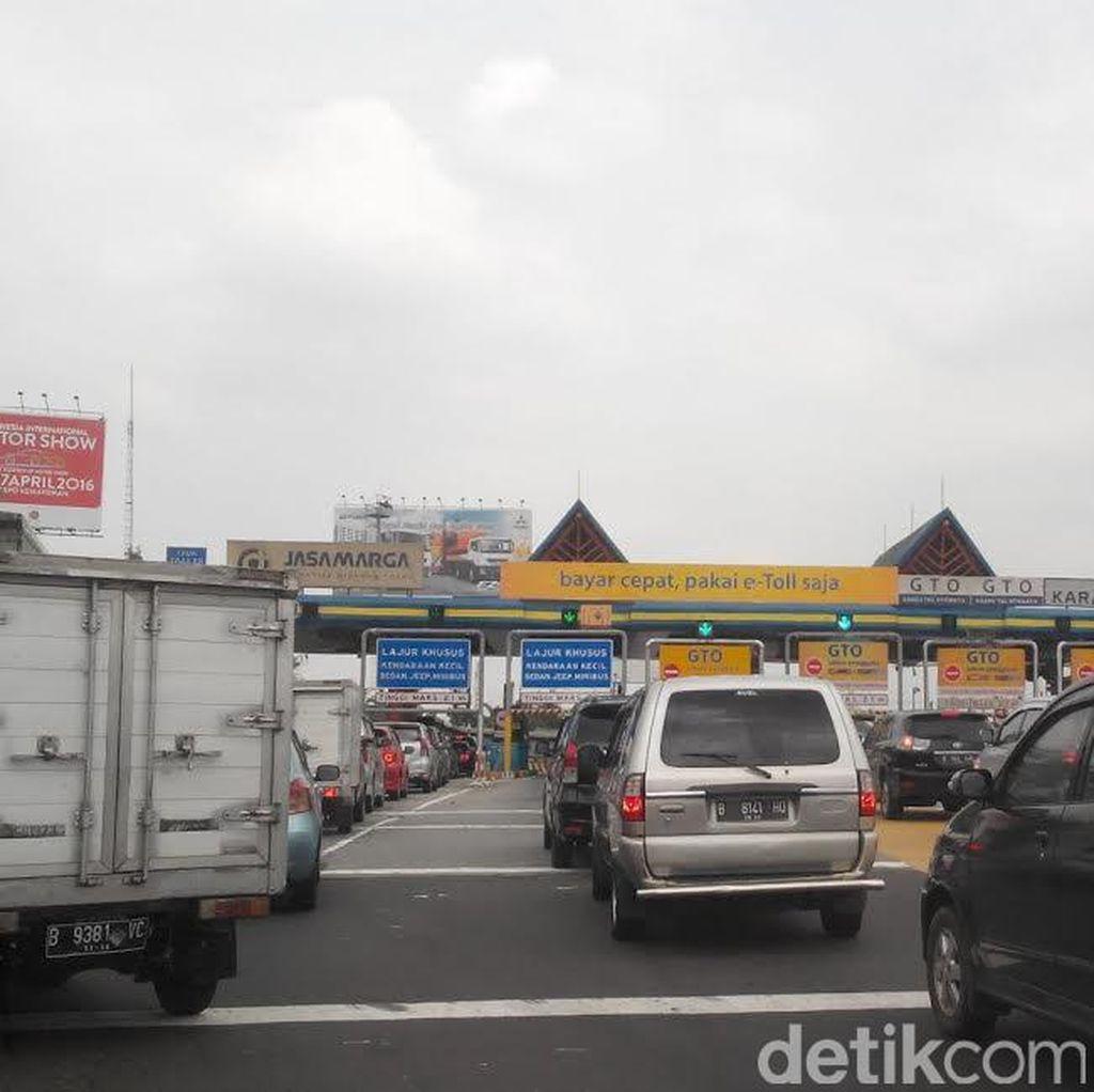 Gerbang Tol Karang Tengah yang Selalu Dikeluhkan karena Macet