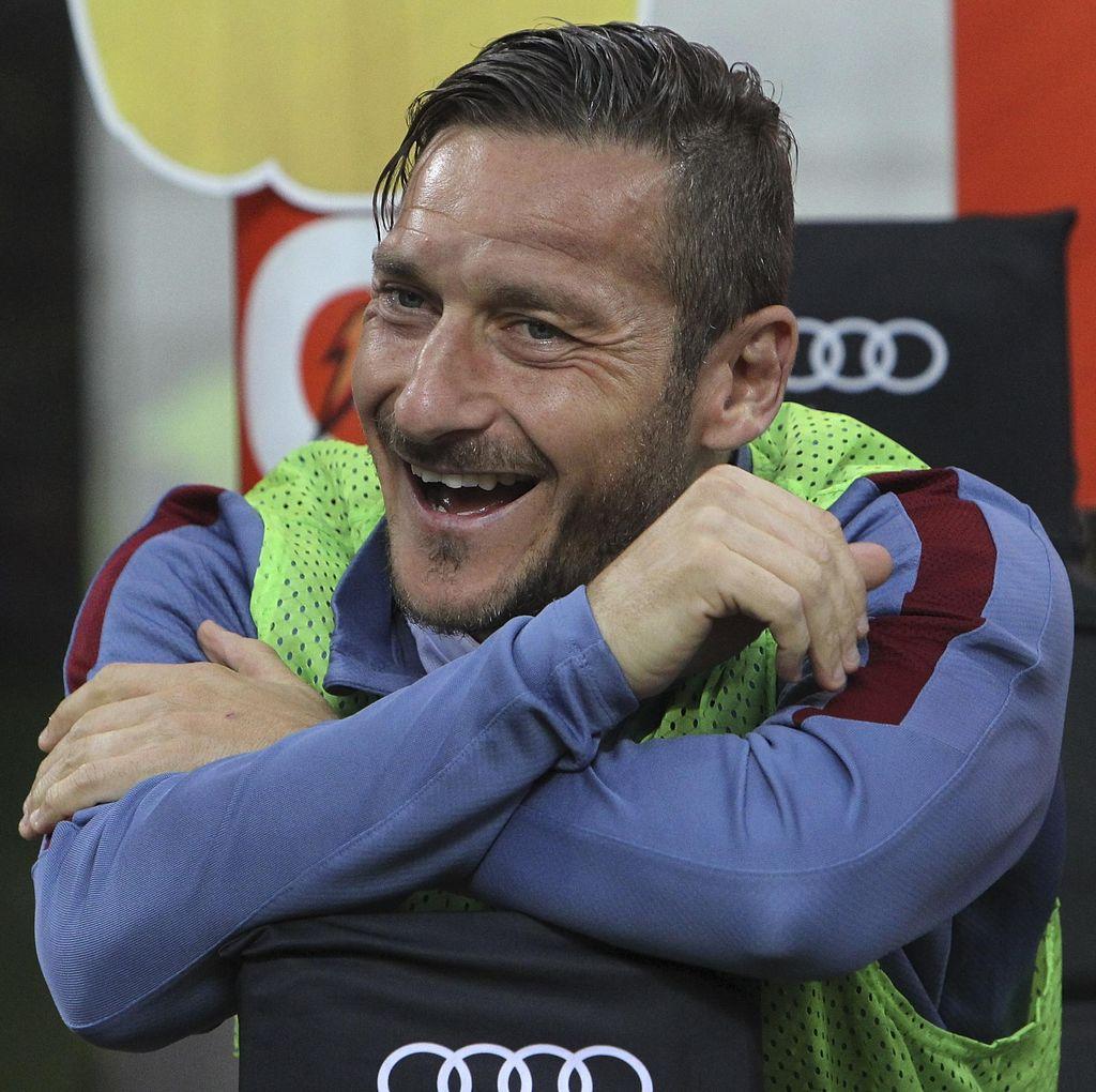 Totti Buka Kans Jadi Pelatih di Masa Depan