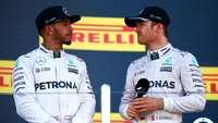 Mercedes Kini Tinggal 'Kawal' Persaingan Rosberg-Hamilton