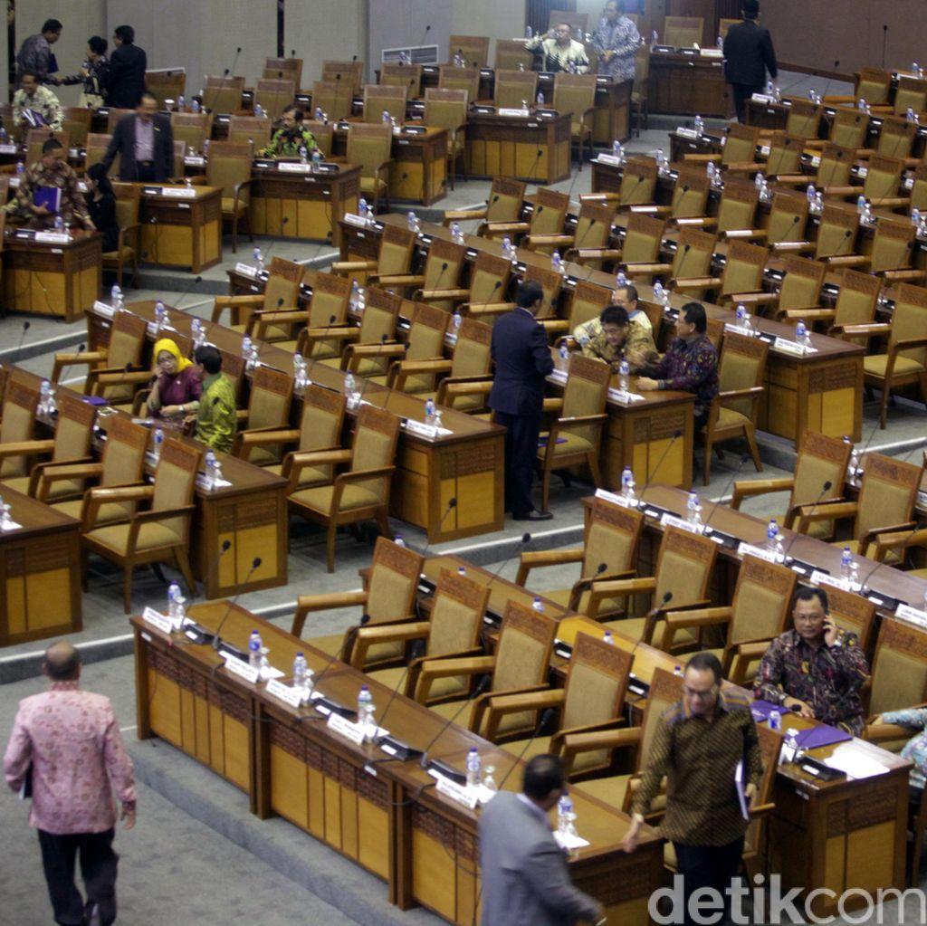 Tarik Ulur Anggota DPR Mundur Jika Mencalonkan Diri di Pilkada
