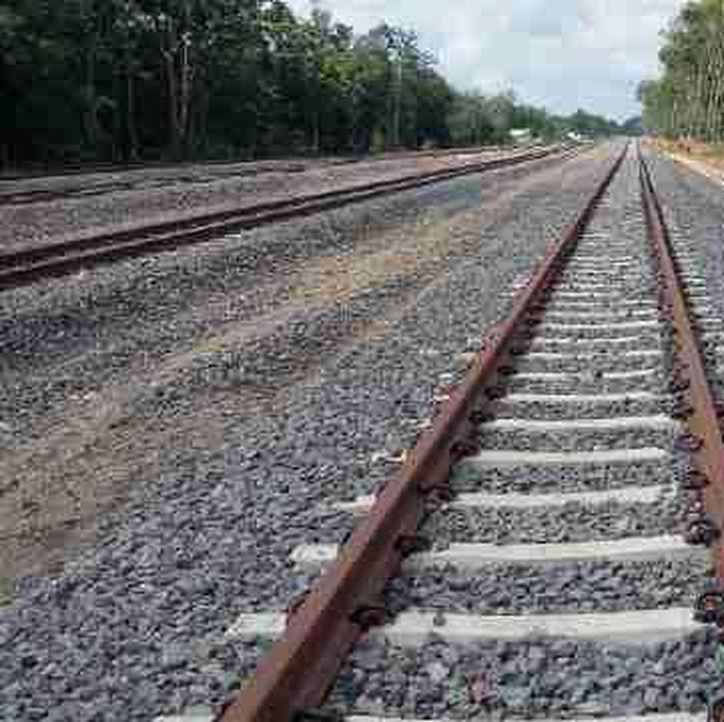 China Minati Proyek Kereta Trans Sumatera dan Sulawesi