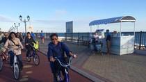 Usai KTT ASEAN-Rusia, Susi Main Sepeda di Pantai Adler