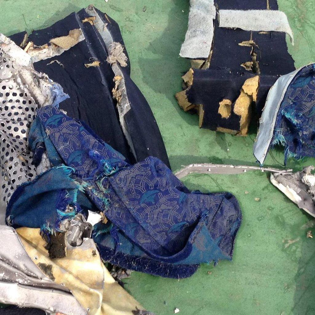 Jasad Korban EgyptAir MS804 Tak Utuh dan Berukuran Kecil-kecil
