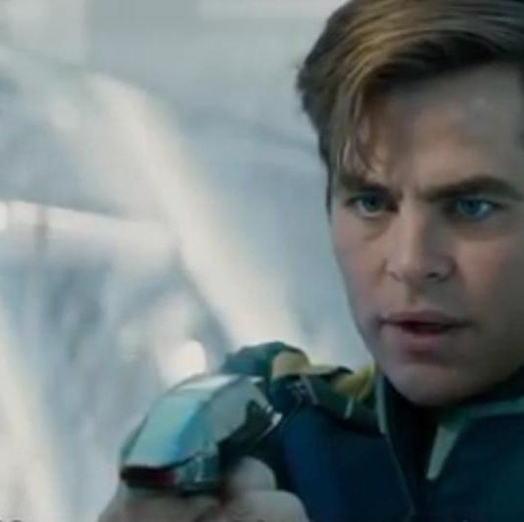 Bagaimana Nasib Captain Kirk di Star Trek Beyond?