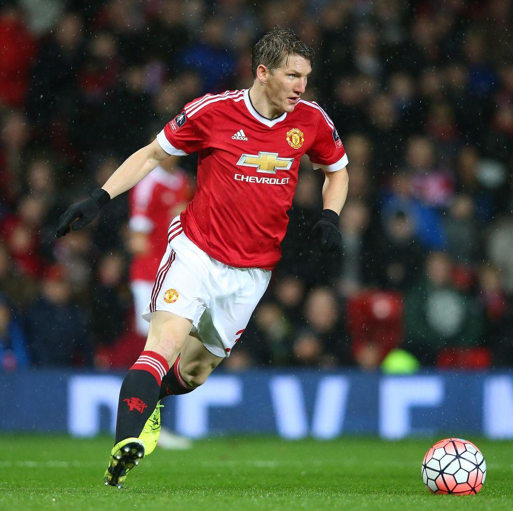 Tanggapi Isu Mourinho, Schweinsteiger: Derby Manchester Akan Menarik