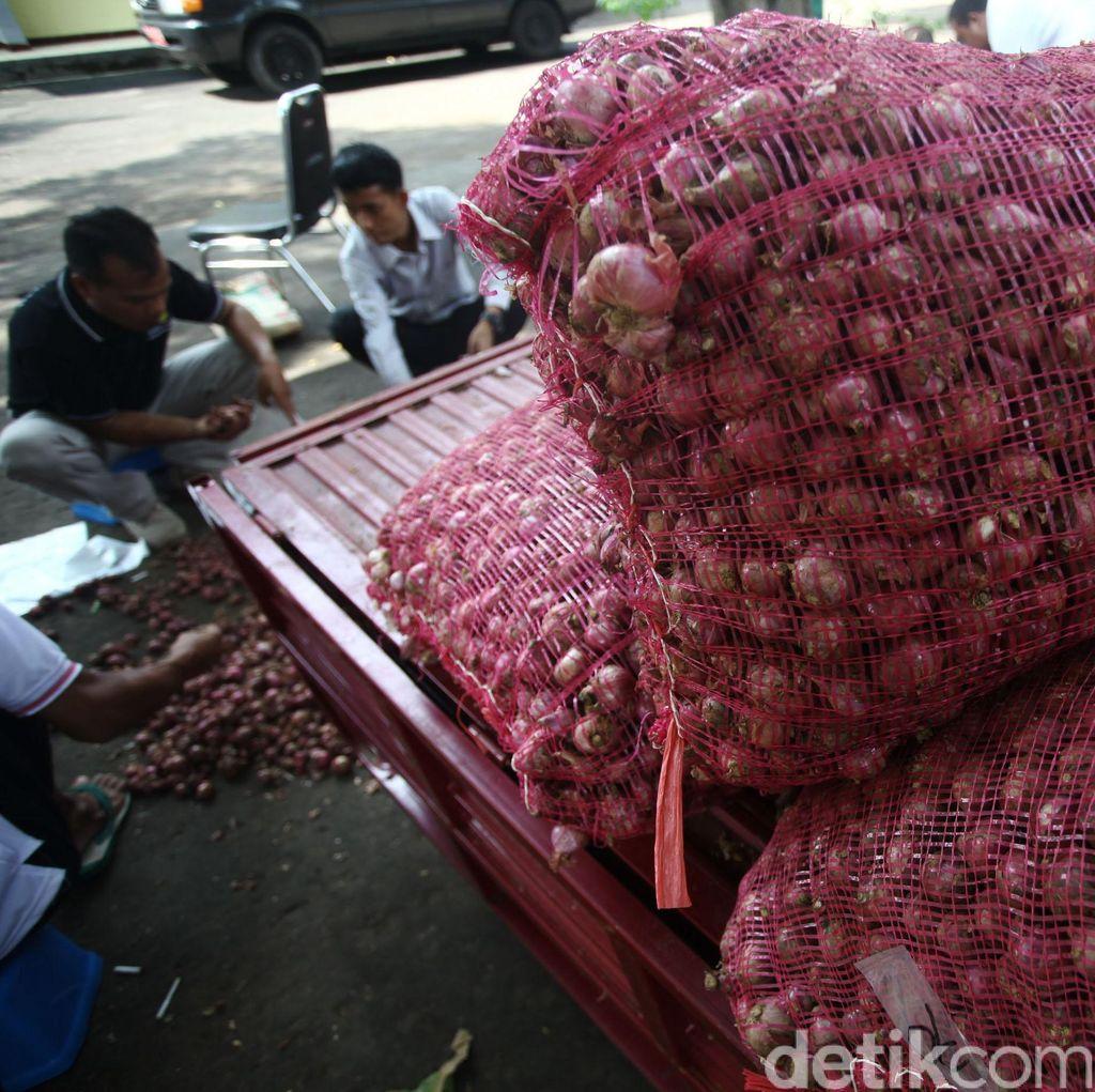 Pedagang Pasar: Pemerintah Terlalu Buru-buru Buka Impor Bawang