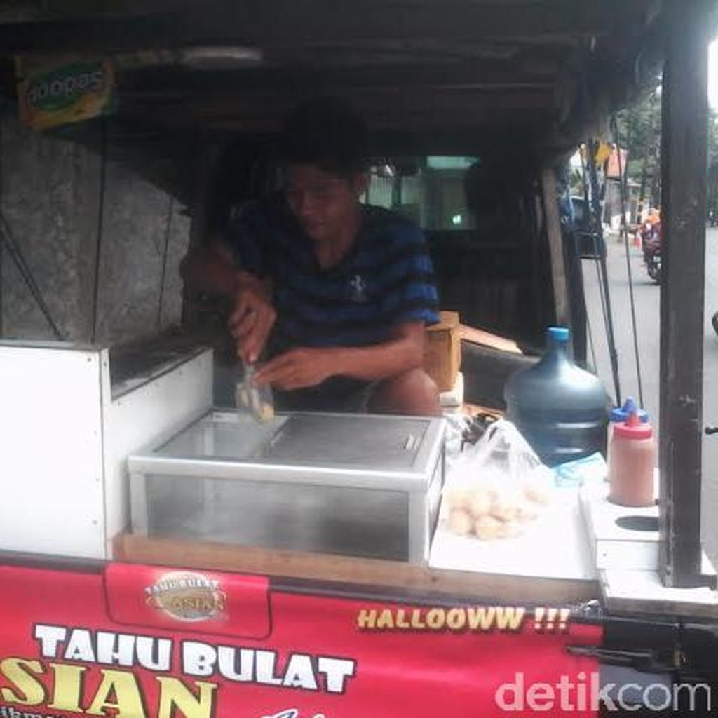 Cerita Tukang Tahu Bulat, 500-an: dari Sukabumi Menembus Depok dan Jakarta