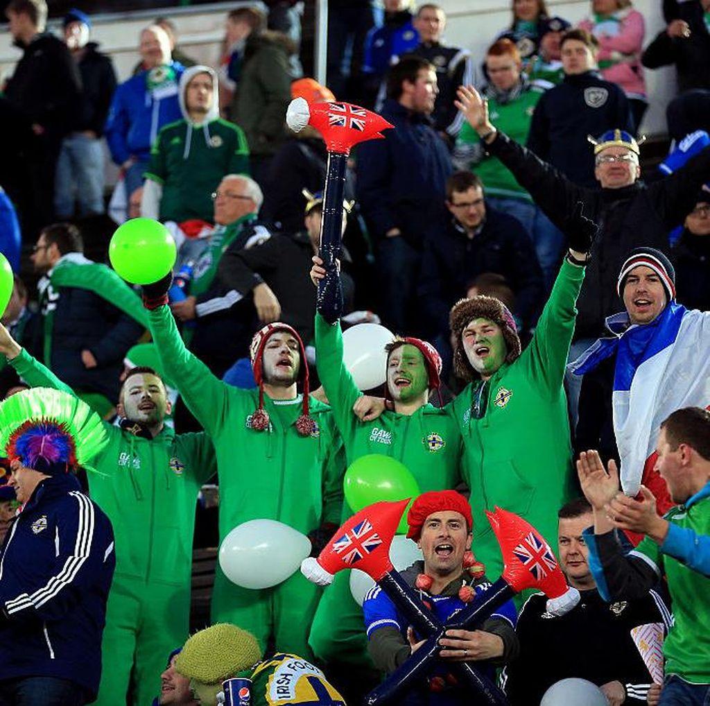 Tentang Debut Irlandia Utara dan Kawalan Khusus Polisi terhadap Fansnya