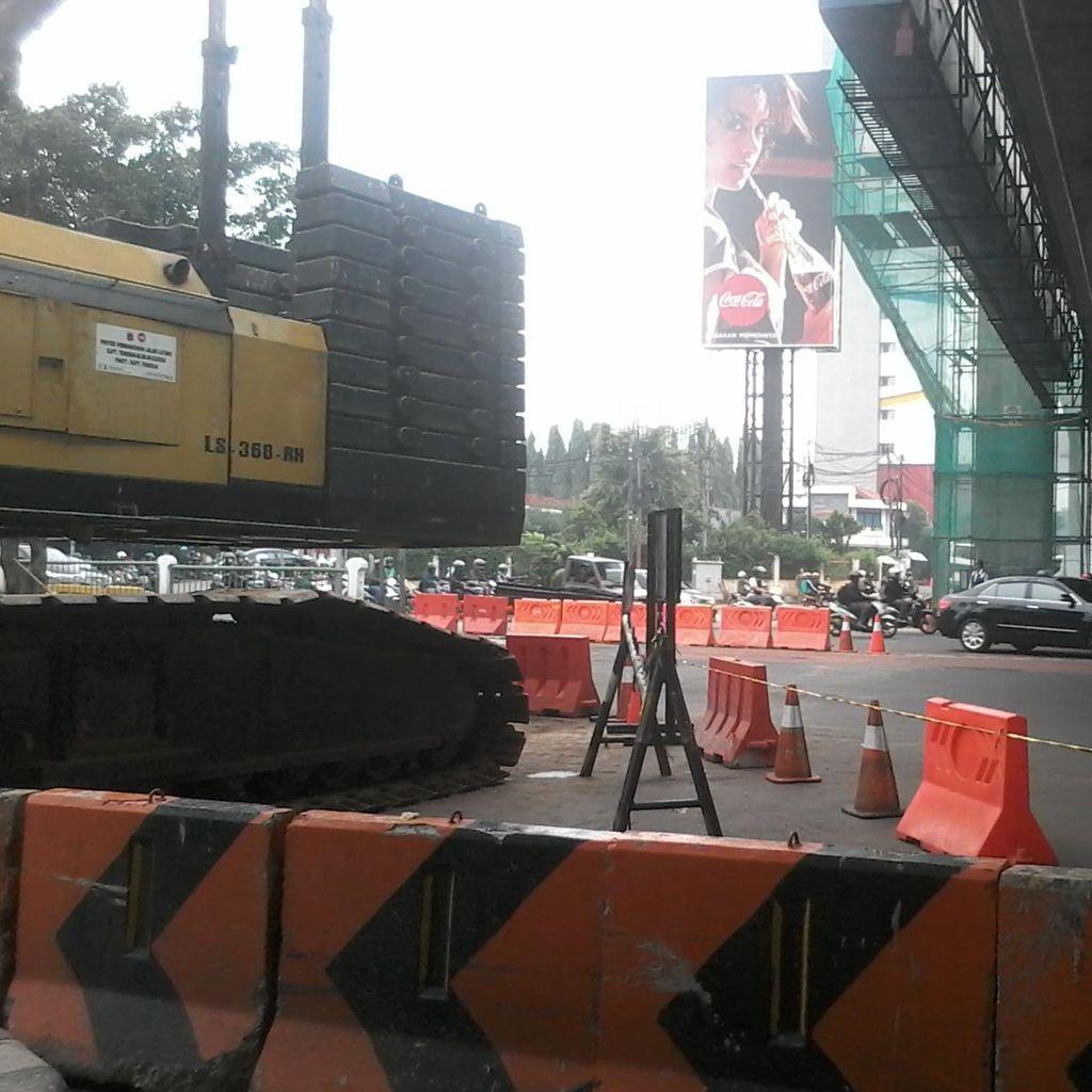 Crane yang Melintang di Mampang Dievakuasi, Jalanan Padat