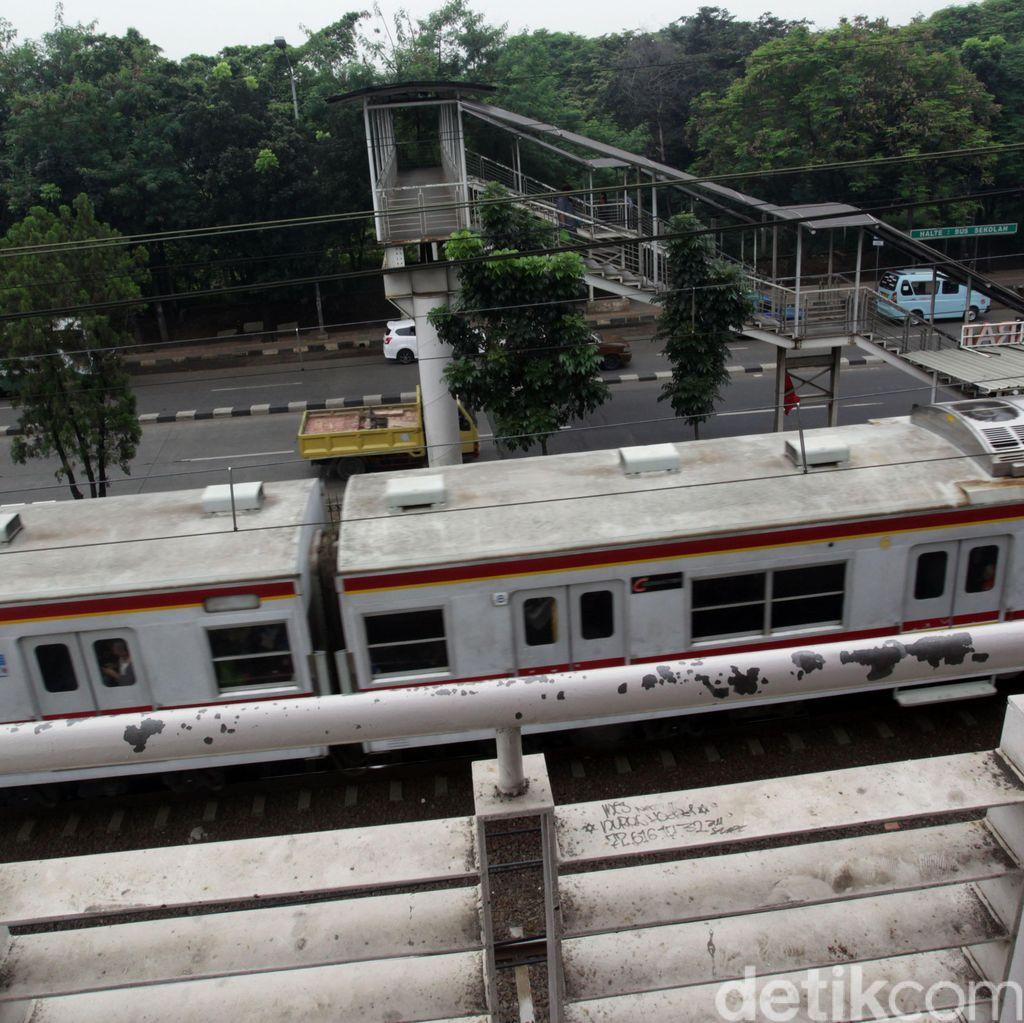 Stasiun Tj Barat: Kami Juga Kasihan Masyarakat Nyeberang Bayar Rp 2 ribu