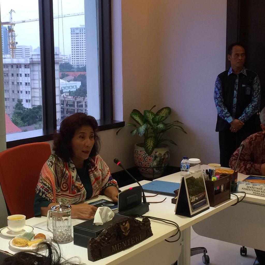Selamatkan Sepasang Hiu Paus di Maluku, Menteri Susi: Banyak Oknum Bermain