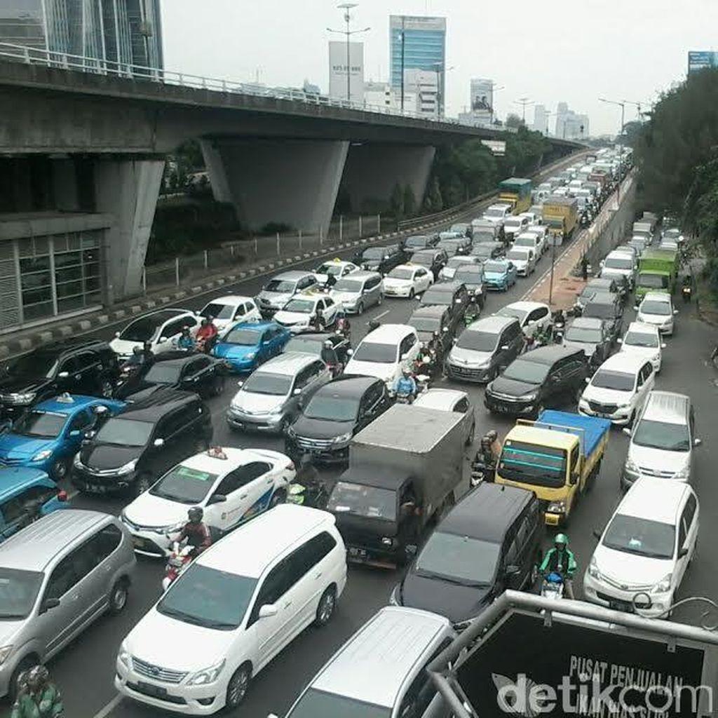 Angkutan Umum Solusi Melawan Macet dan Aturan Ketat Kepemilikan Mobil di Jepang
