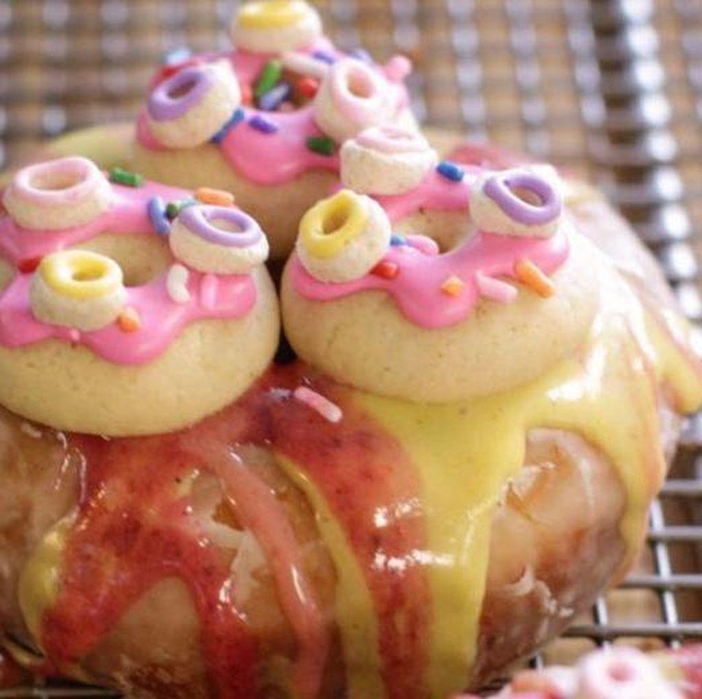 Inception Doughnut, Donat dengan Tumpukan Topping Berupa Donat