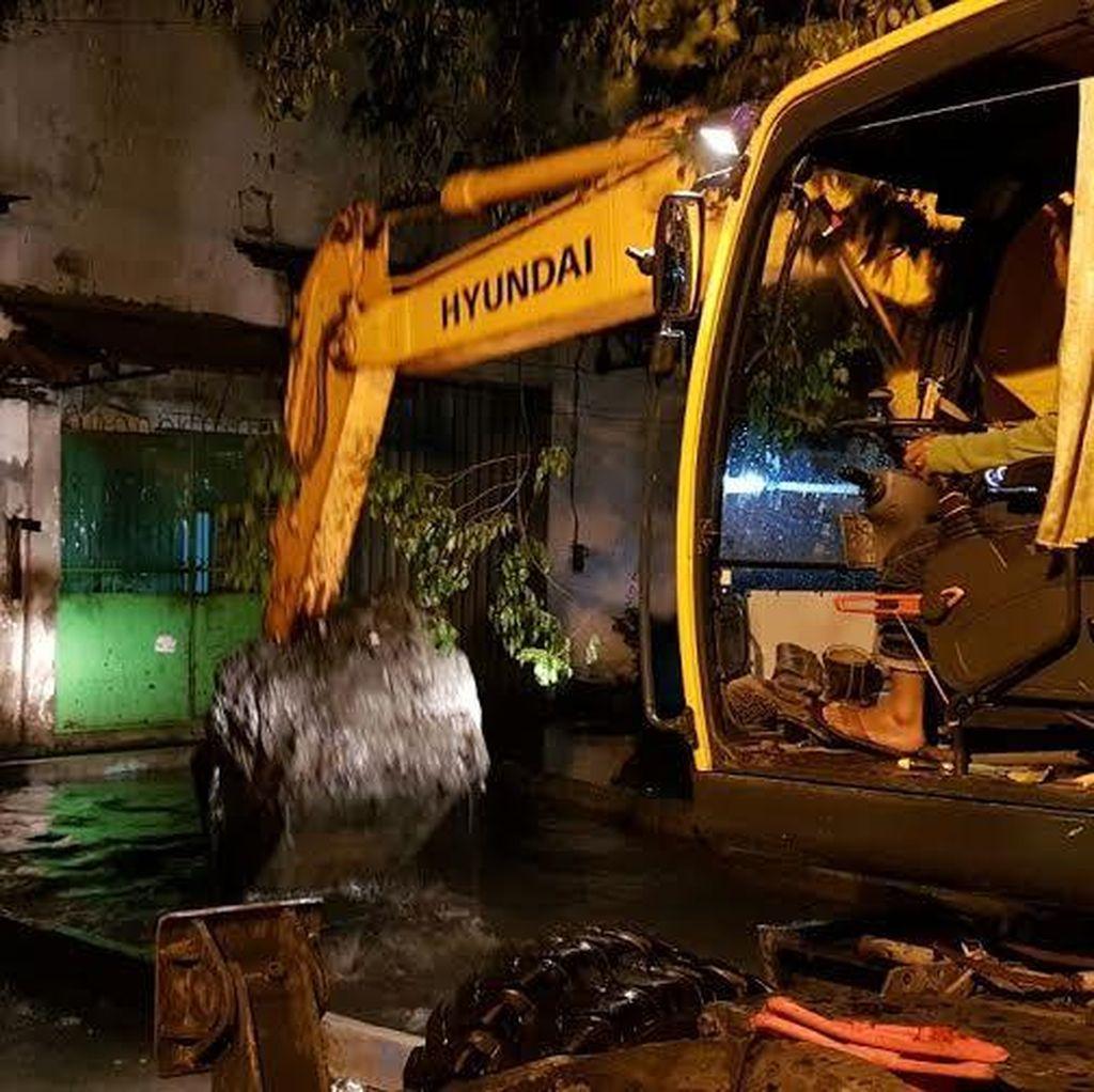 Wali Kota Risma Pimpin Normalisasi Saluran Air di Babadan