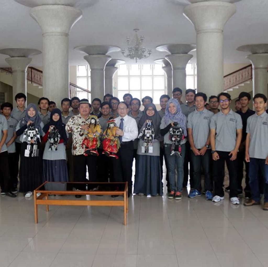 UGM Siap Ikuti Kontes Robot di Surabaya, Bawa Robot Pemadam hingga Mata-mata