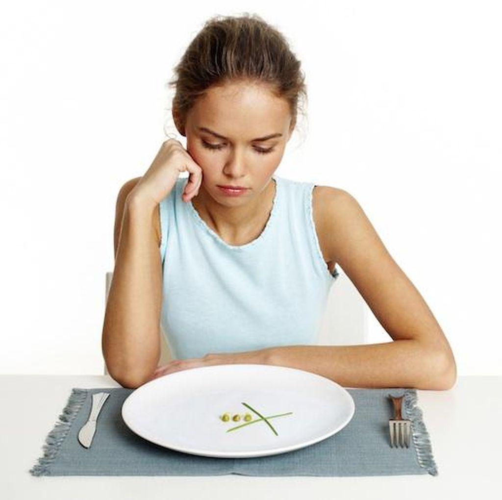 5 Kebiasaan Buruk Ini Bisa Bikin Orang Kehilangan Nafsu Makan