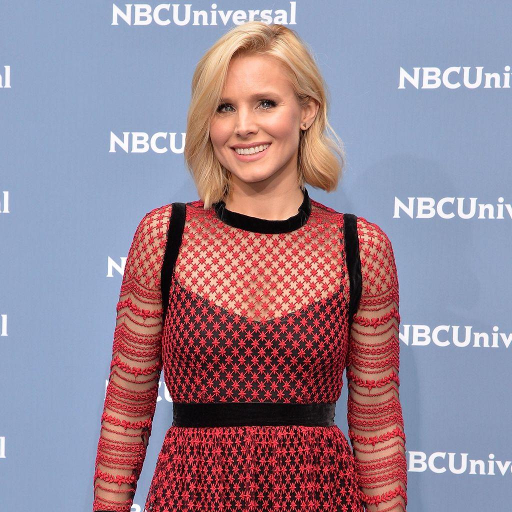 Bukan Gaun Pengantin, Ini yang Dipakai Aktris Kristen Bell Saat Menikah
