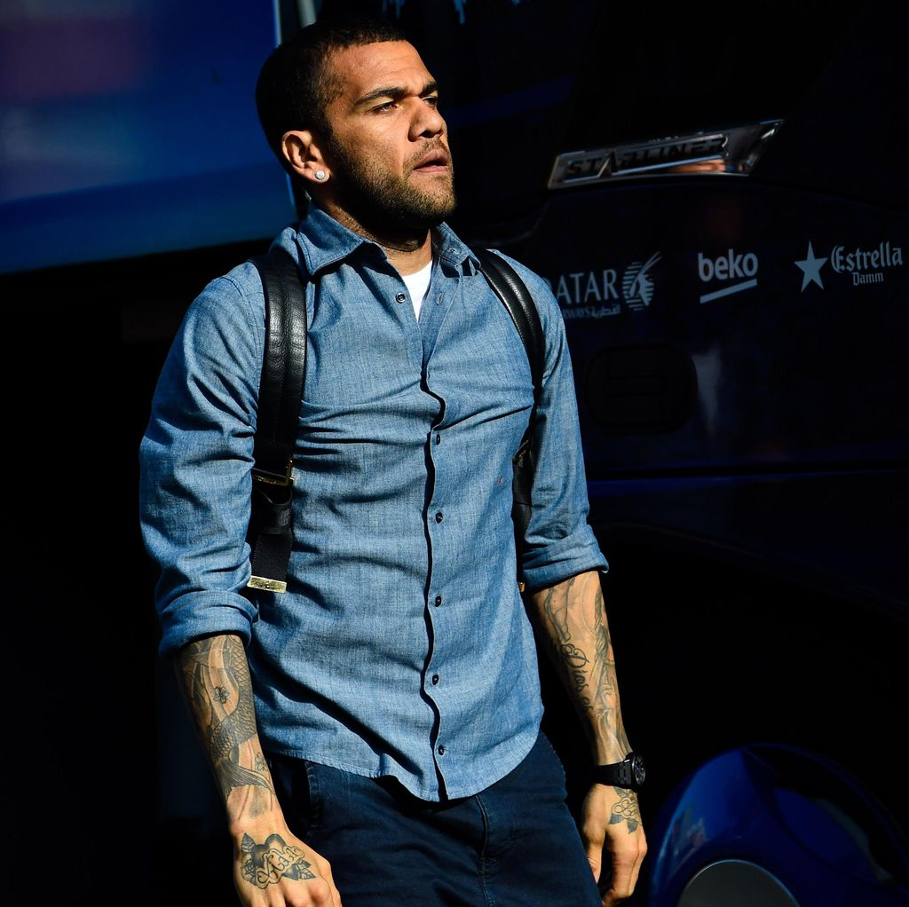 Tiba di Turin, Dani Alves Segera Jalani Tes Medis di Juve