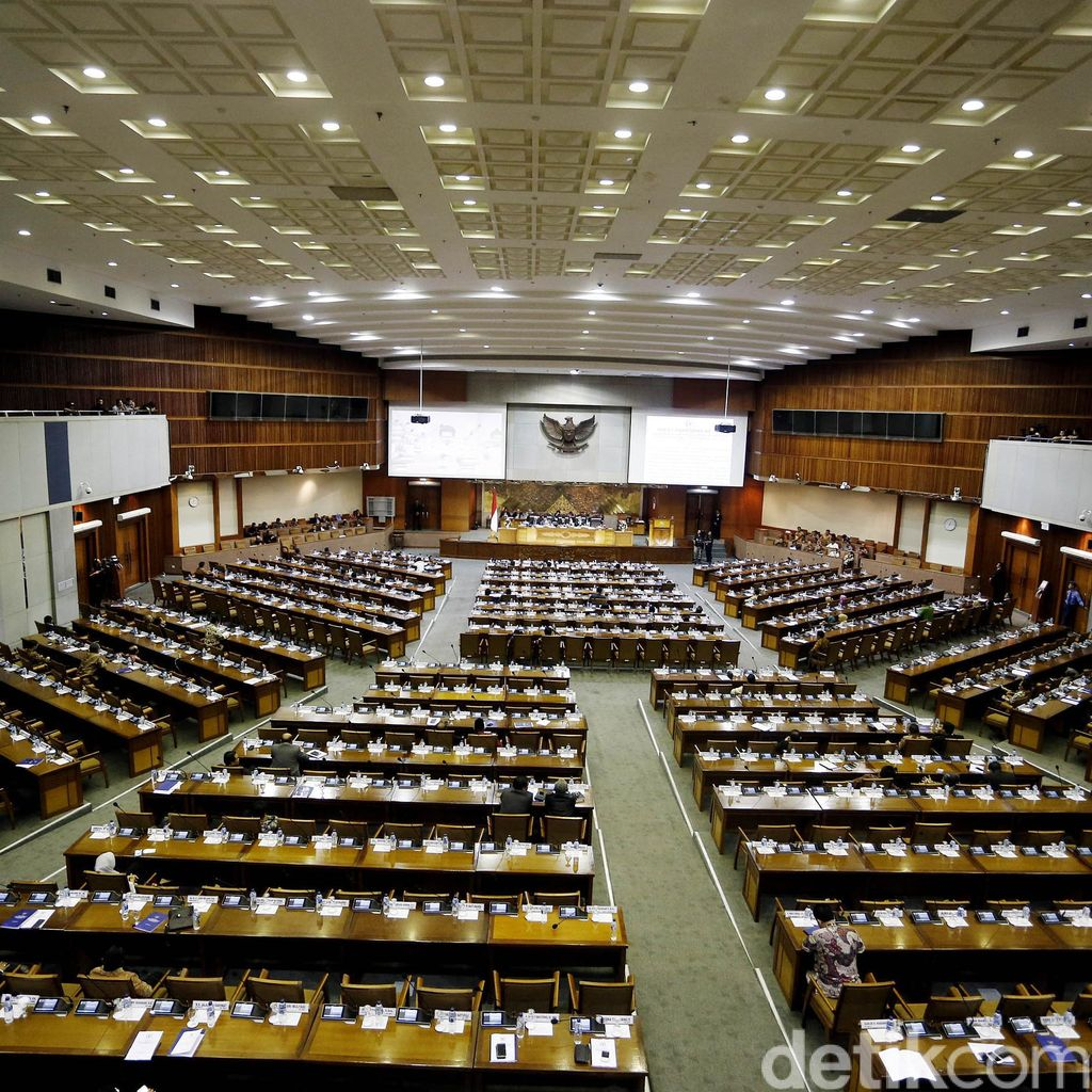 Paripurna DPR Pengesahan Kapolri Dimulai, 305 Wakil Rakyat Tak Hadir