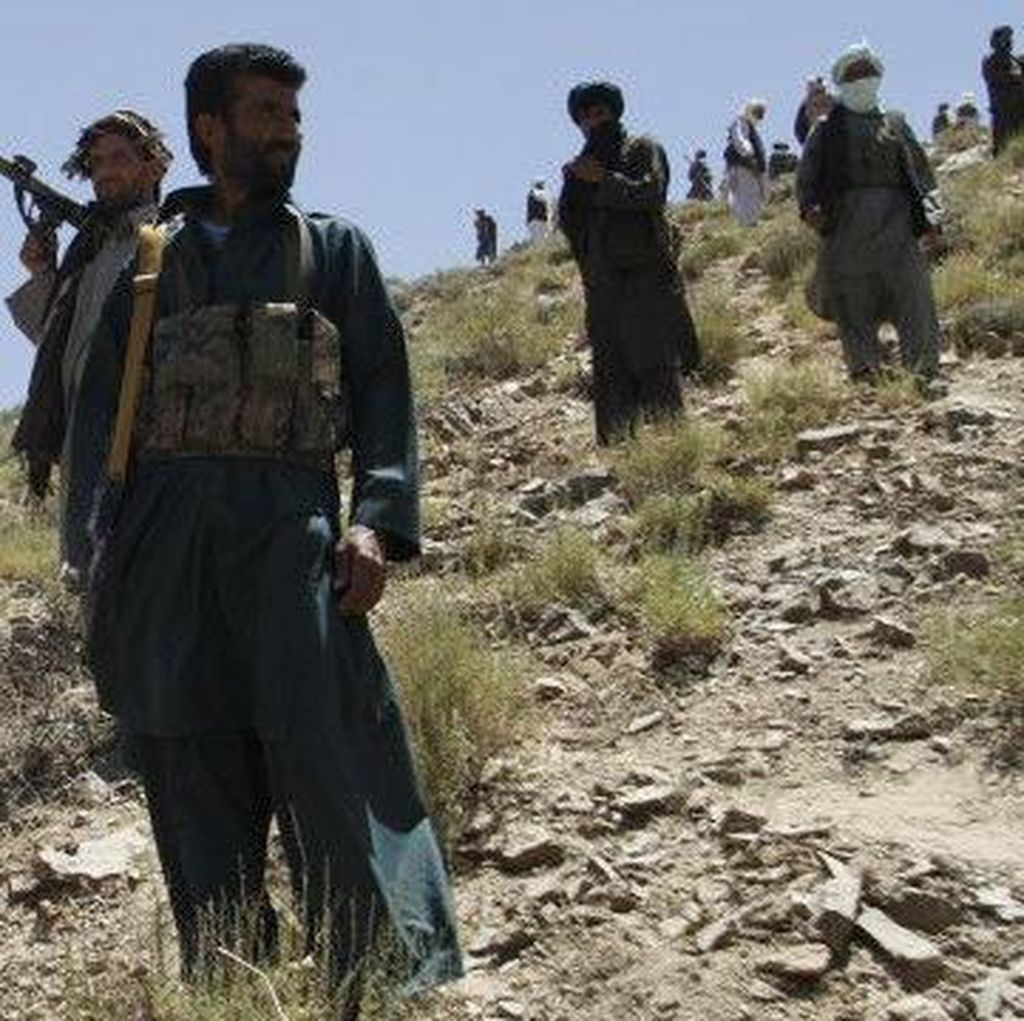 2 Pengebom Bunuh Diri Taliban Tewaskan 27 Orang di Afghanistan