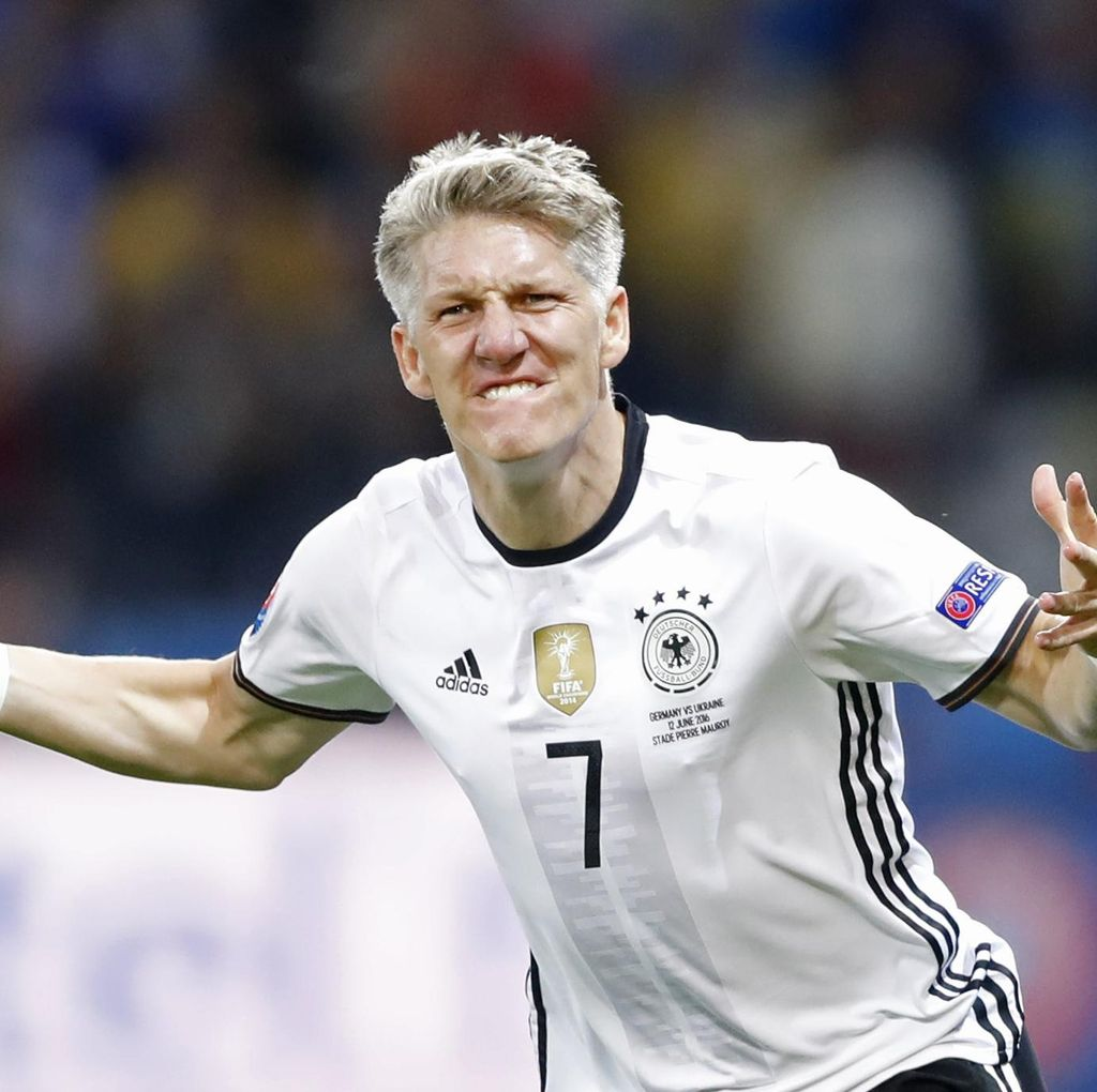 Laga Perpisahan Schweinsteiger Kurang Laku