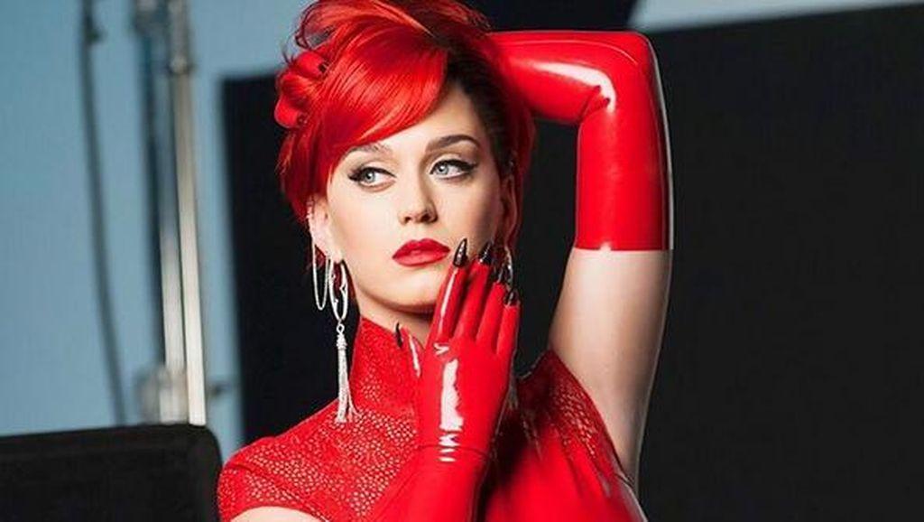 Cari Perhatian, Katy Perry Bersedia Bugil di Pilpres AS