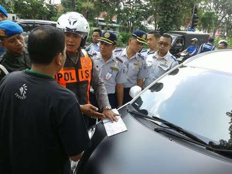 Ini Alasan Polda Metro Jaya Kandangkan 11 Taksi Berbasis Online